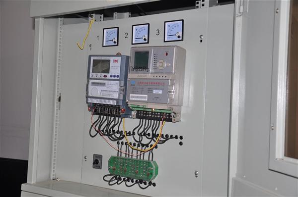 而仿真电能计量装置培训室启用了错误接线仿真系统和远程互控终端调控