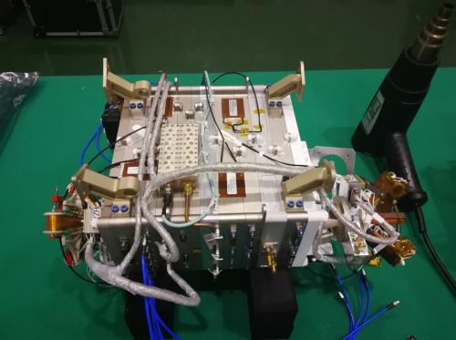 月球轨道超长波射电干涉仪任务发射成功