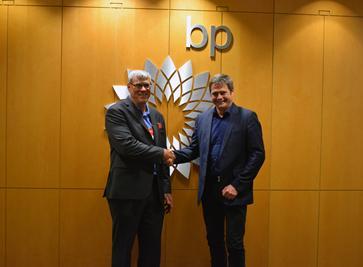 强强联手!BP与施耐德电气签署全球框架协议