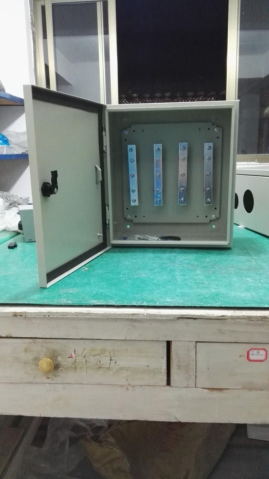 电气开关上的异型铜排_森源电气铜排图片_天津市瑞林异型铜排电气