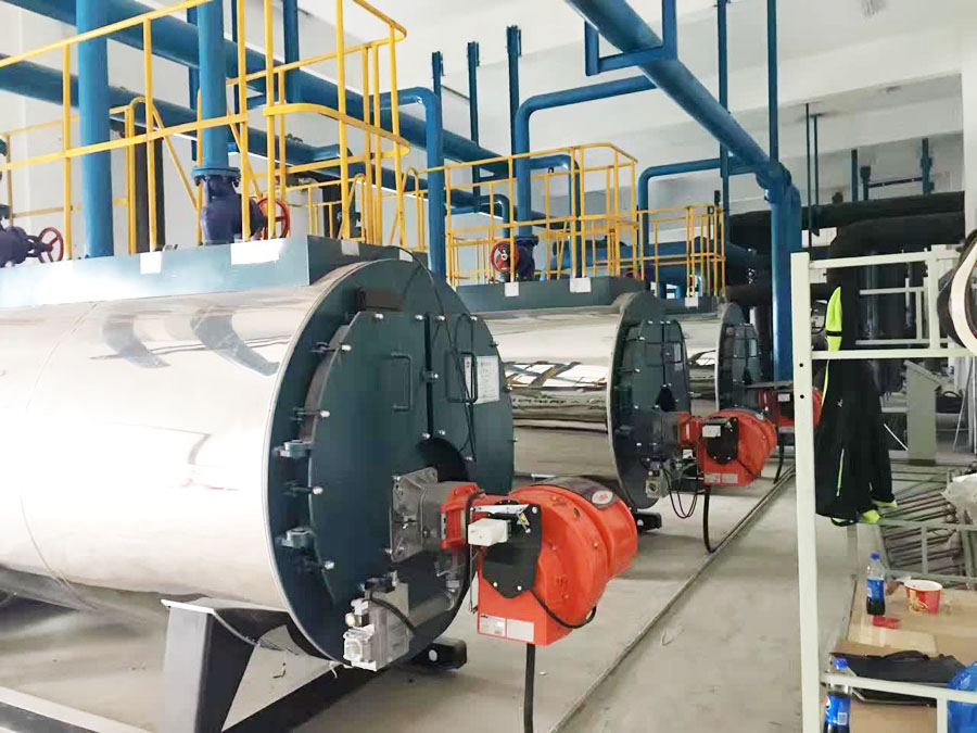 4吨燃气热水锅炉属于卧式锅炉,卧式锅炉的结构设计和炉膛设计均非常