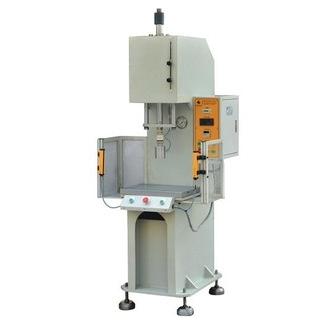 单轴冲压机低价直销;冲压机最大生产商