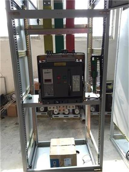 ggd交流低压配电柜是本着安全,经济,合理,可靠的原则设计的新型低压