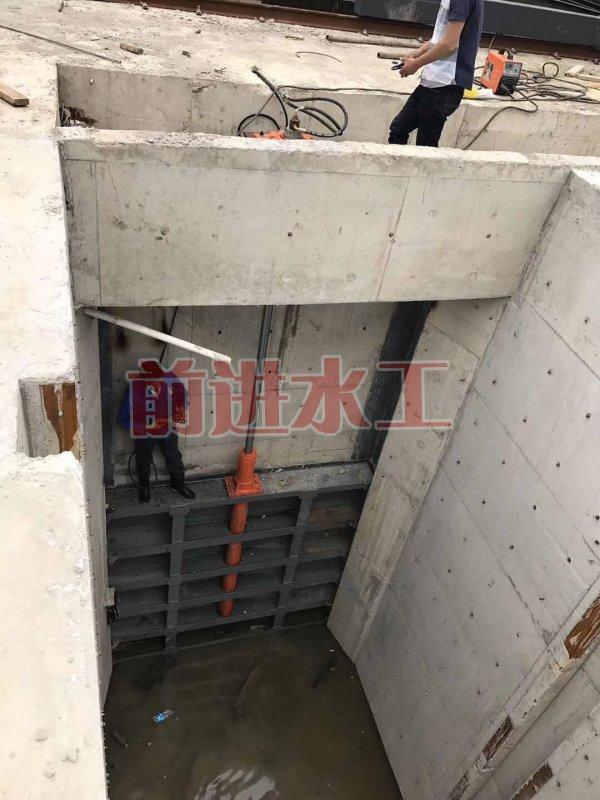 船闸人字型钢闸门适用范围与工作原理